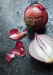 Red onions, whole and halved