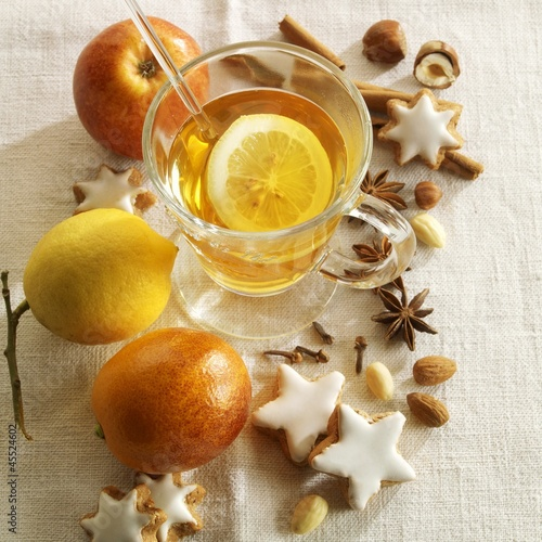 Hot tea with lemons