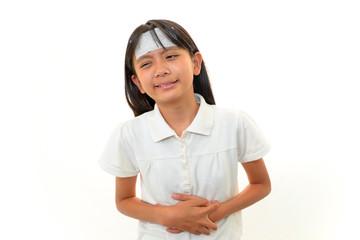 腹痛を訴える女の子