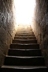 Escadaria de pedra para luz