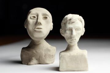 Statuettes - bustes en argile