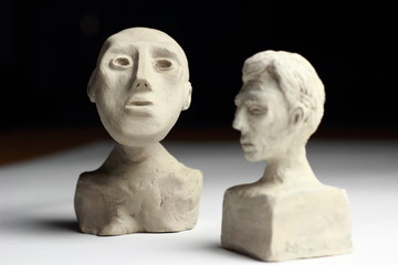Statuette - bustes en argile