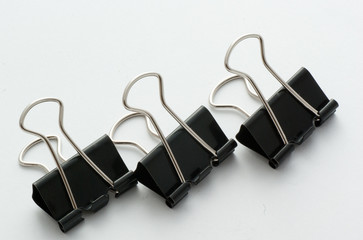 3 bulldog clips