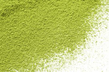 白背景に抹茶の粉