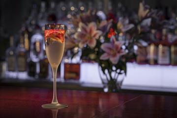 szampan w kieliszku