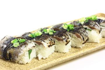 炙り秋刀魚の押し寿司