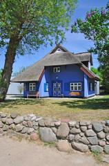 die berühmte blaue Kate in Ahrenshoop auf Fischland