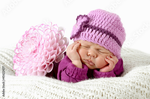 Fototapeten,newborn,baby,geborgen,schutz