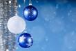 Weihnachtdeko in silber und blau