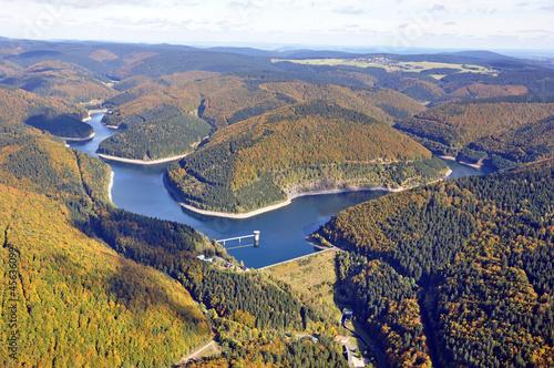 Luftansicht Thüringer Wald mit Talsperre Schönbrunn