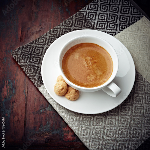 Caffe Crema with Biscotti