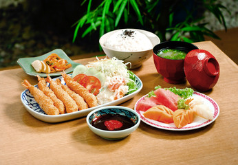 Tempura set one of the Japanese popular menu
