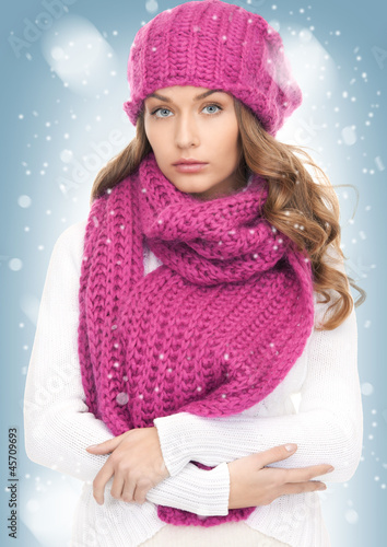beautiful woman in winter hat