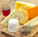 Rotwein, Käse