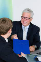 bewerbungsgespräch beim seniorchef