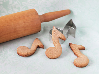 Oatmeal cookies shaped as notes