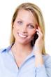 portrait einer hübschen blonde frau beim telefonieren
