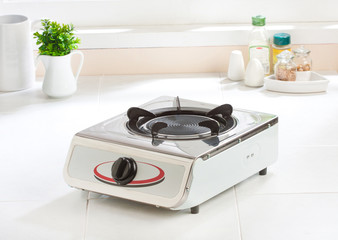 Gas stove with empty gas plate new kitchenware