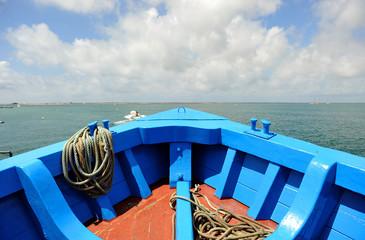 Proa de un barco de madera