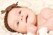fröhliches babygesicht