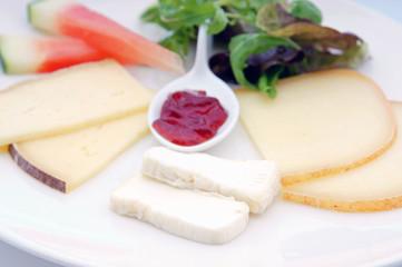 assiette de fromages français  # 30