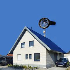 Windrad Kleinwindanlage auf Einfamilienhaus