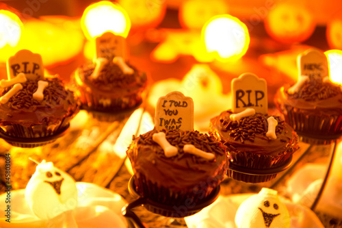 Halloween cupcakes, ghost and tombstone