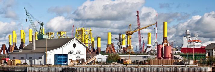 Hafenpanorama, Windindustrie