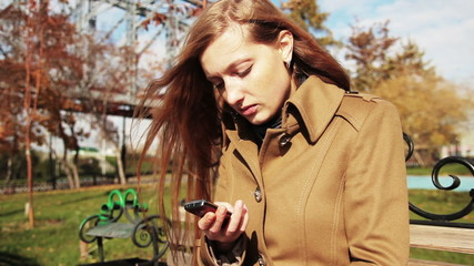 girl using her phone