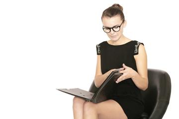 Geschäftsfrau mit Dokumenten
