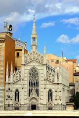 Chiesa Sacro Cuore del Suffragio vista da Lungotevere Marzio