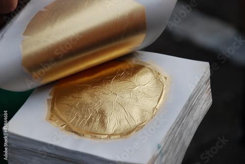 Leinwanddruck Bild Blattgold Blattgoldschlagen Gold Schwabach Blattgoldschläger