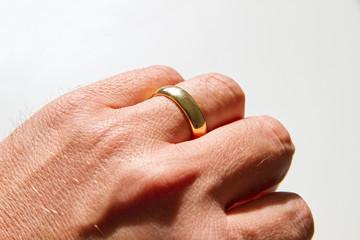 Verheiratet - Trauring am Ringfinger