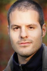 Herbstporträt eines Mannes