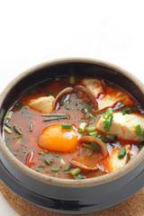 韓国料理のスンドゥブチゲ