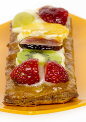 Pastry cream and fruits