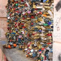 Прага. Замки любви и верности.