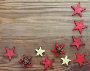 Weihnachtlich rustikaler Holzhintergrund mit Textfreiraum