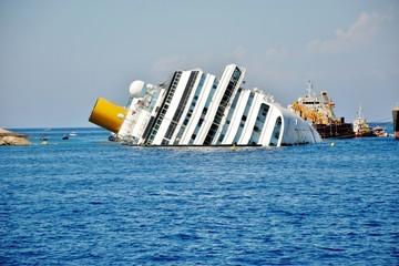 isola del giglio toscana naufragio concordia,recuoero relitto