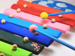 おもちゃの楽器 - 木琴