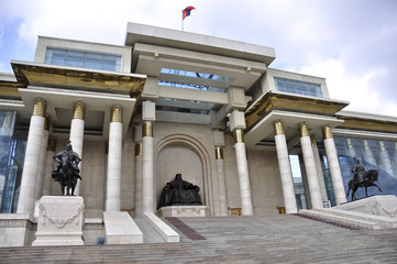Monumento a Gengis Kan en Ulan Bator, Mongolia