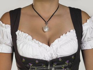 cleavage in a dirndl