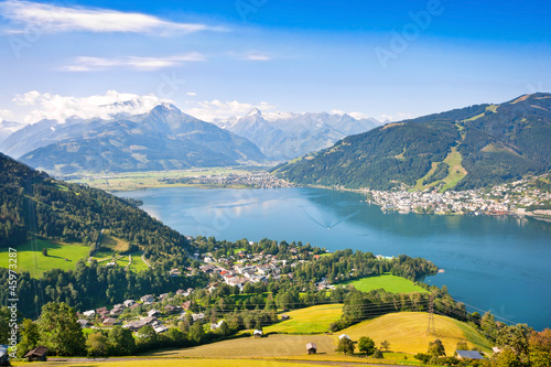 canvas print picture Panoramic view of Zell am See in Salzburg, Austria