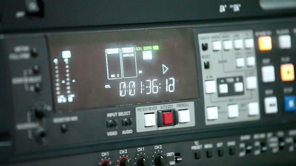 videotape recorder  2