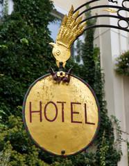 Hotelschild, vergoldet