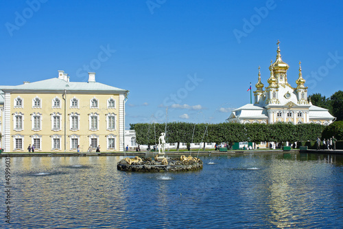 "Peterhof, a Square pond and fountain ""the Summer"""