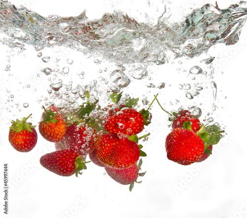 truskawki-wpadnieciem-do-wody