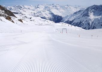 fresh ski track
