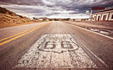 Fototapety An old Route 66 shield painted on road