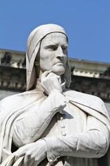 verona - statua di dante - piazza dei signori